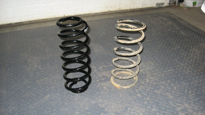 Wj coil spring retrofit 96 2004 r50 pathfinders npora forums you can see the little pigtails that the springs have what i did was cut off both ends and ended up with a spring with the 4 58 id sciox Image collections